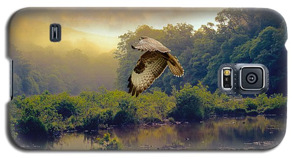 Galaxy S5 Case featuring the photograph Morning Buzzard by Roy  McPeak