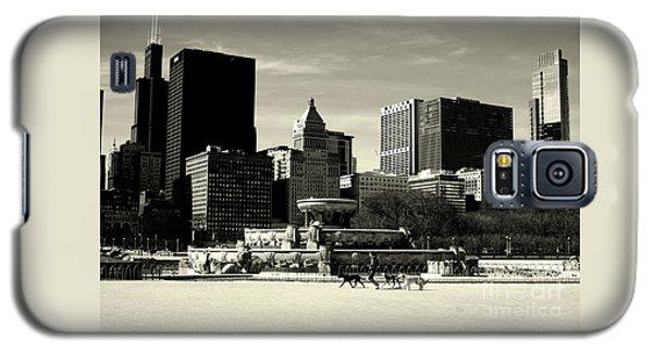 Morning Dog Walk - City Of Chicago Galaxy S5 Case