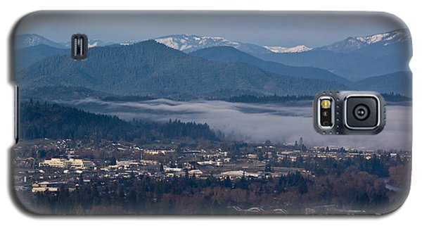 Morning Fog Over Grants Pass Galaxy S5 Case by Mick Anderson