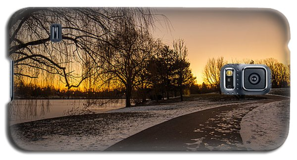 Morning Glow Along Hoyt Lake Galaxy S5 Case by Chris Bordeleau