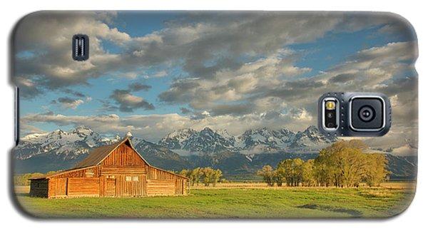 Morning Light On Moulton Barn Galaxy S5 Case