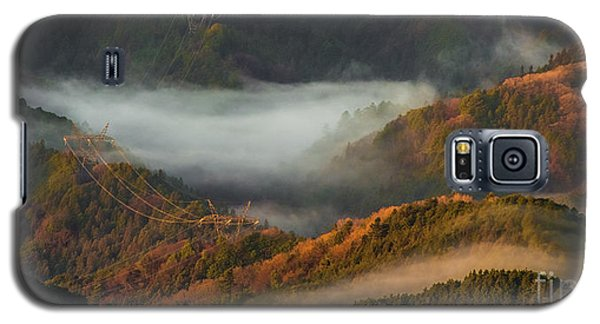 Galaxy S5 Case featuring the photograph Morning Light by Tatsuya Atarashi