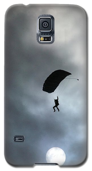 Galaxy S5 Case featuring the photograph Morning Skydive by Tannis  Baldwin
