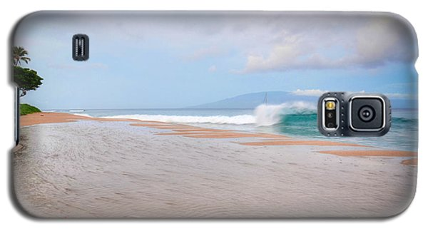 Galaxy S5 Case featuring the photograph Morning Wave by Kelly Wade