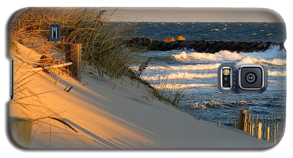 Galaxy S5 Case featuring the photograph Morning's Light by Dianne Cowen