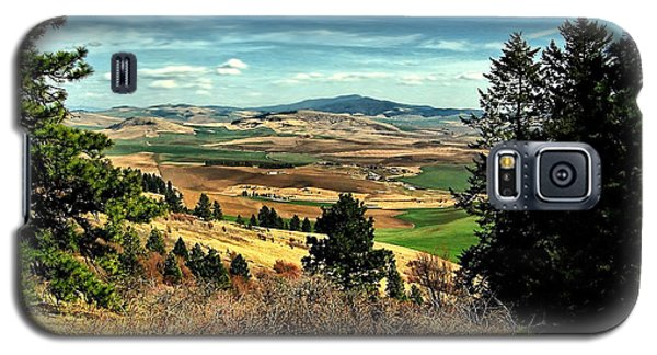 Galaxy S5 Case featuring the photograph Moscow Mountain From Kamiak Butte by Farol Tomson