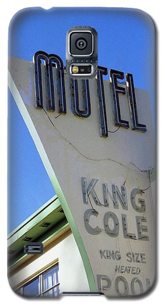 Galaxy S5 Case featuring the photograph Motel King Cole by Matthew Bamberg