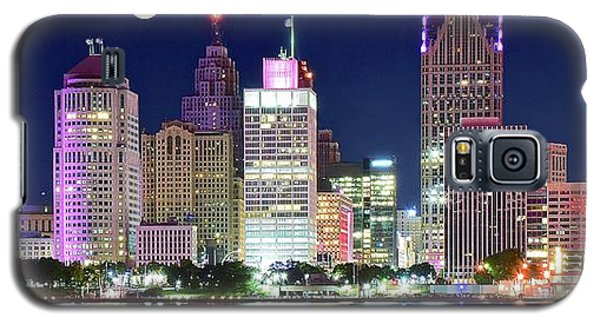 Galaxy S5 Case featuring the photograph Motor City Night With Full Moon by Frozen in Time Fine Art Photography