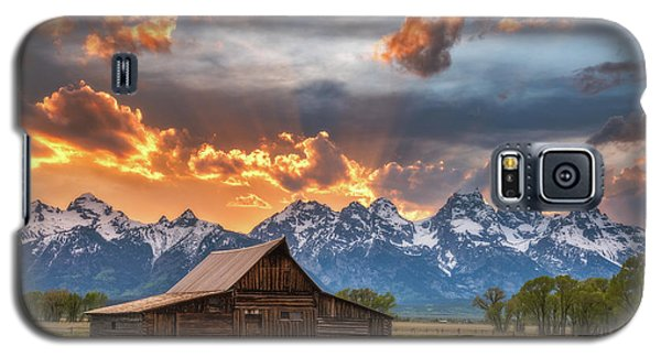 Moulton Barn Sunset Fire Galaxy S5 Case