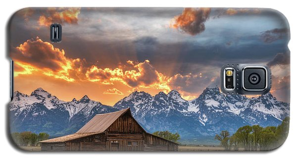 Moulton Barn Sunset Fire Galaxy S5 Case