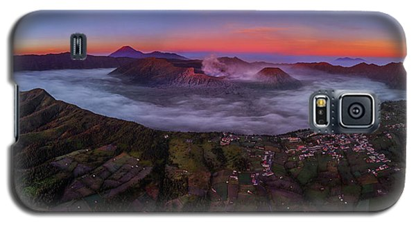 Mount Bromo Misty Sunrise Galaxy S5 Case