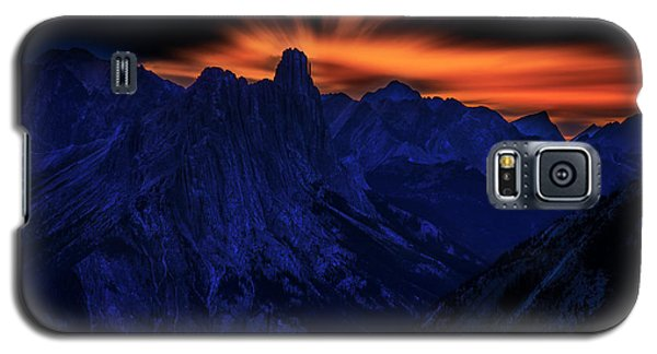 Galaxy S5 Case featuring the photograph Mount Doom by John Poon