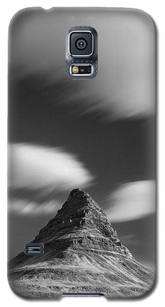 Mount Kirkjufell In Iceland Under The Sky Galaxy S5 Case