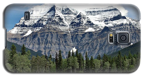 Galaxy S5 Case featuring the photograph Mount Robson British Columbia by Elaine Manley