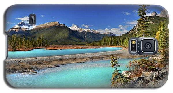 Galaxy S5 Case featuring the photograph Mount Saskatchewan by John Poon