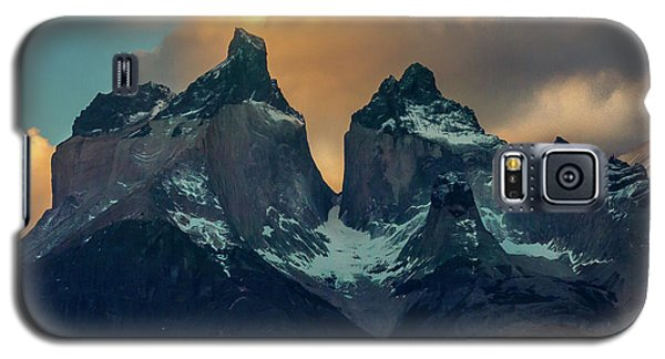 Galaxy S5 Case featuring the photograph Mountain Evening by Andrew Matwijec