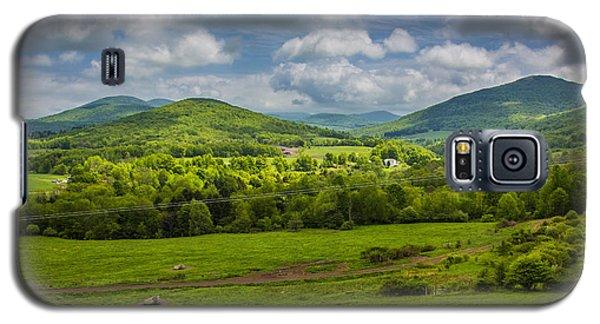 Mountain Field Of Greens Galaxy S5 Case