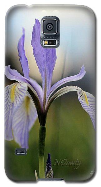 Mountain Iris With Bud Galaxy S5 Case