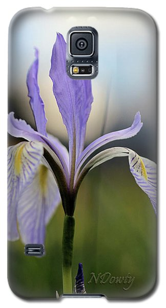 Mountain Iris With Bud Galaxy S5 Case