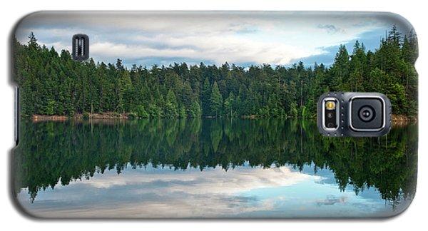 Mountain Lake Reflection Galaxy S5 Case