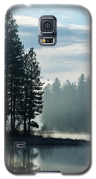 Mountain Meadows Reservoir At Dawn Galaxy S5 Case