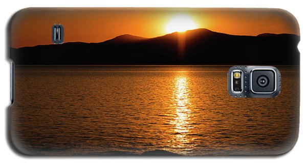 Mountains And River At Sunset Galaxy S5 Case