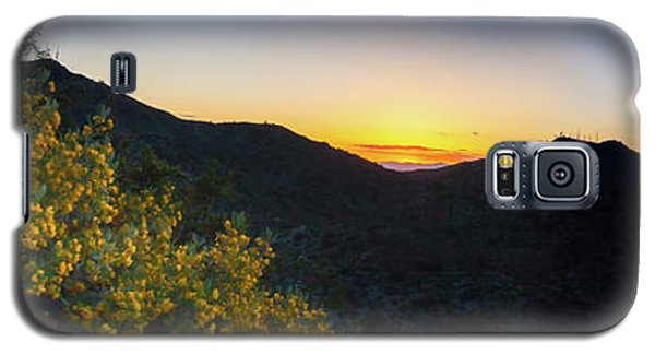Mountains At Sunset Galaxy S5 Case by Ed Cilley