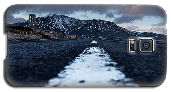 Mountains In Iceland Galaxy S5 Case