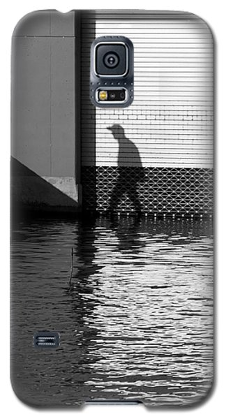 Galaxy S5 Case featuring the photograph Movin On by Colleen Williams