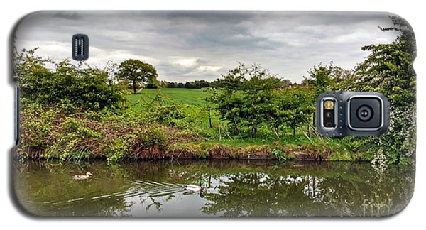 Galaxy S5 Case featuring the photograph Mr And Mrs by Isabella F Abbie Shores FRSA
