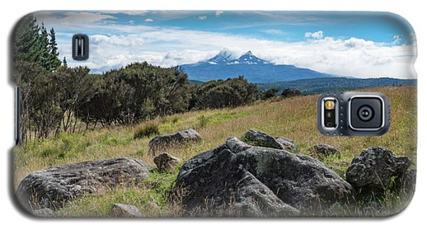 Galaxy S5 Case featuring the photograph Mt Ruapehu View by Gary Eason