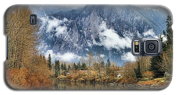 Galaxy S5 Case featuring the photograph Mt Si by Ken Stanback