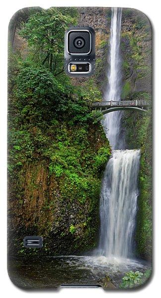 Galaxy S5 Case featuring the photograph Multnoma Falls by Jonathan Davison