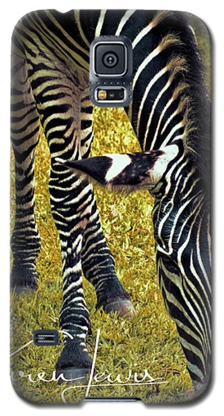 Galaxy S5 Case featuring the photograph Munch Time by Karen Lewis