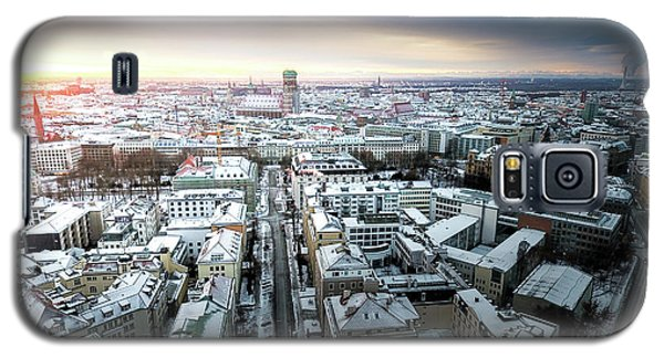 Galaxy S5 Case featuring the photograph Munich - Sunrise At A Winter Day by Hannes Cmarits