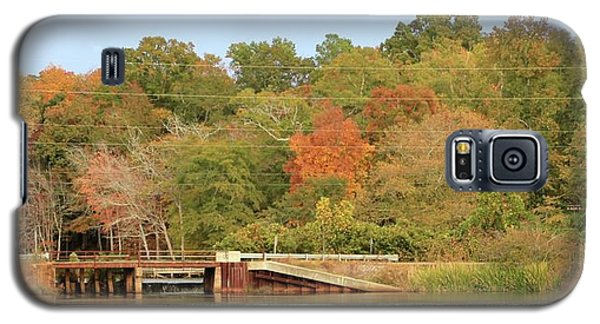 Galaxy S5 Case featuring the photograph Murphy Mill Dam/bridge by Jerry Battle