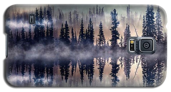 Galaxy S5 Case featuring the mixed media Mystic Lake by Gabriella Weninger - David