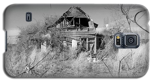 Galaxy S5 Case featuring the photograph N C Ruins 2 by Mike McGlothlen