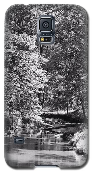 Galaxy S5 Case featuring the photograph Nadine's Creek In Black And White by Kathy Kelly