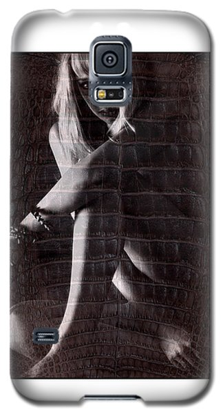 Naked Girl Hiding Galaxy S5 Case by Michael Edwards