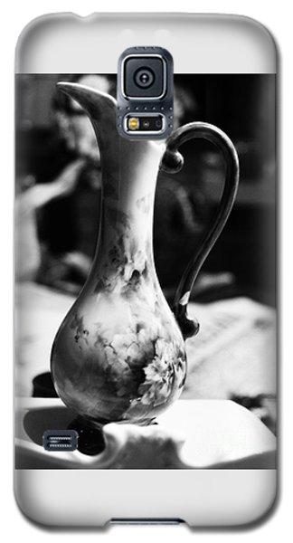 Nana's Vase Galaxy S5 Case by Cassandra Buckley