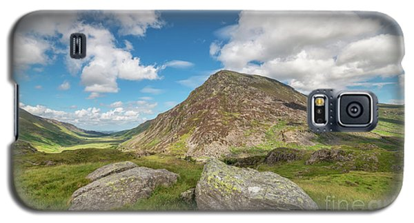 Galaxy S5 Case featuring the photograph Nant Ffrancon Valley, Snowdonia by Adrian Evans