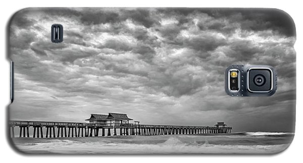 Galaxy S5 Case featuring the photograph Naples Monochrome by Mike Lang