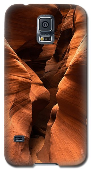 Galaxy S5 Case featuring the photograph Narrow Passage by Carl Amoth