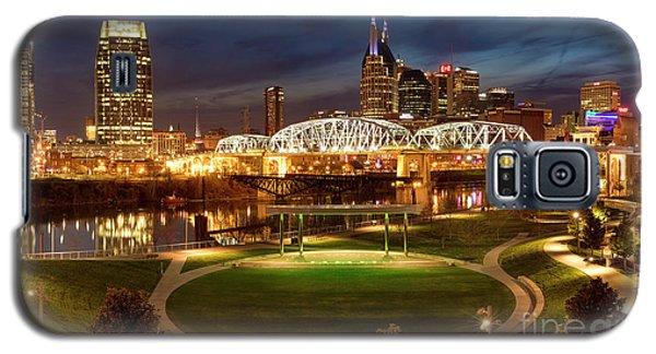 Galaxy S5 Case featuring the photograph Nashville Twilight Skyline by Brian Jannsen