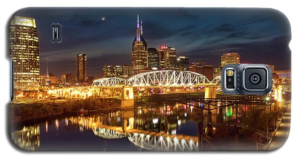 Galaxy S5 Case featuring the photograph Nashville Twilight Skyline II by Brian Jannsen