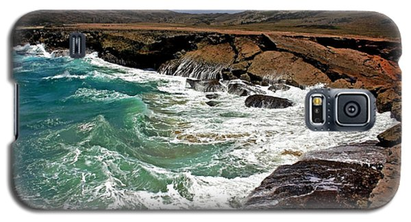 Galaxy S5 Case featuring the photograph Natural Bridge Aruba by Suzanne Stout