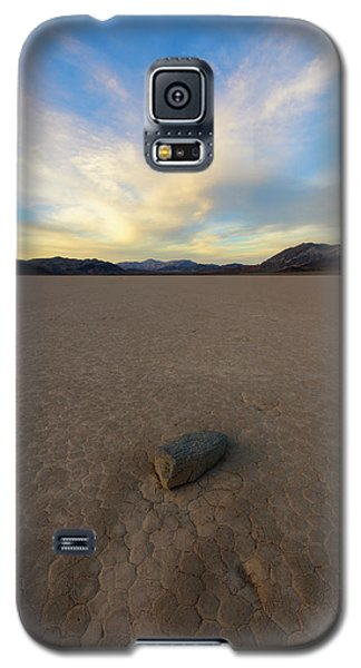 Galaxy S5 Case featuring the photograph Natures Pace by Mike Lang