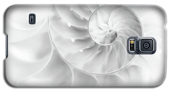 Galaxy S5 Case featuring the photograph Nautilus Shell In High Key by Tom Mc Nemar