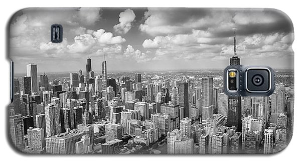 Galaxy S5 Case featuring the photograph Near North Side And Gold Coast Black And White by Adam Romanowicz